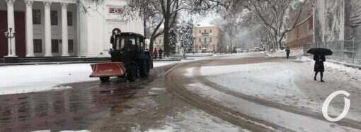 Сильный снегопад в Одессе: как выглядит центр города (фото)
