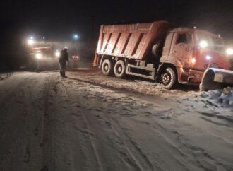 Снежная стихия: какие дороги закрыты для транспорта в Одесской области и Украине