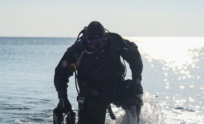Крещение не за горами: одесские пляжи обследуют водолазы