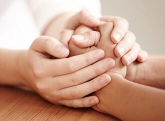 Как общаться с тяжелобольными людьми: семь важных правил