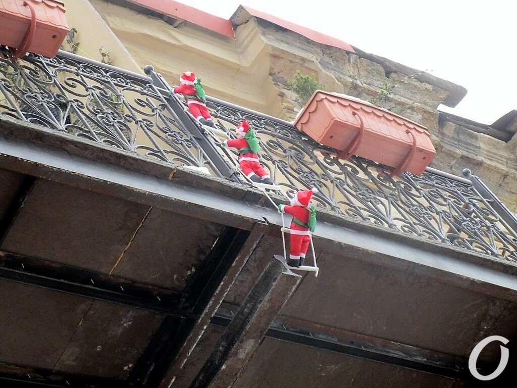Новогодье по-одесски: Санта Клаусы