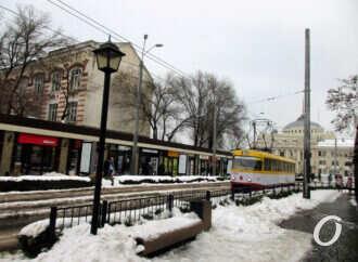 Одесская Старосенная площадь: трамвайные переливы, Цифровой городок и кораблик «Одесса-мама» (фото)