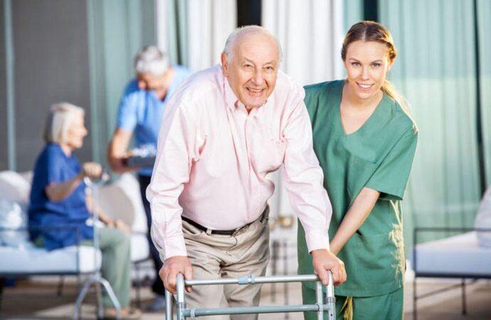 Как работает в Украине и в мире рынок социальных услуг для пожилых