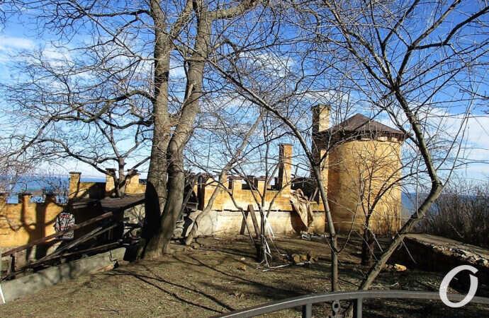 Одесская Сторожевая башня стала опасной зоной (фото)
