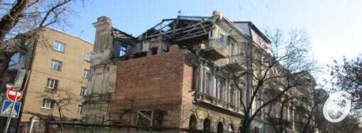 Обрушившийся памятник архитектуры на Канатной в Одессе обрастает новой кладкой (фото)