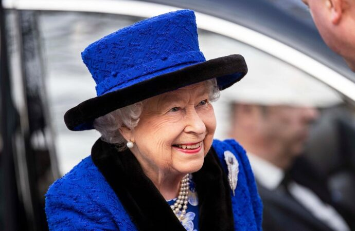 Елизавета II: пристрастия, хобби и муж королевы