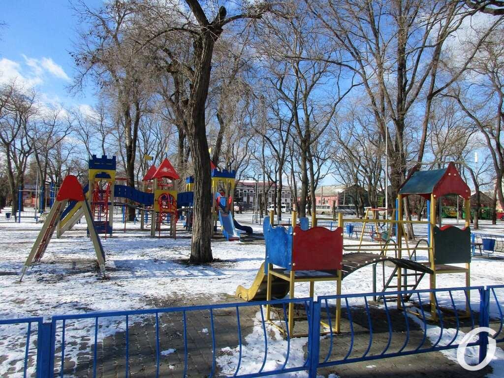 Старосенной сквер, детская площадка