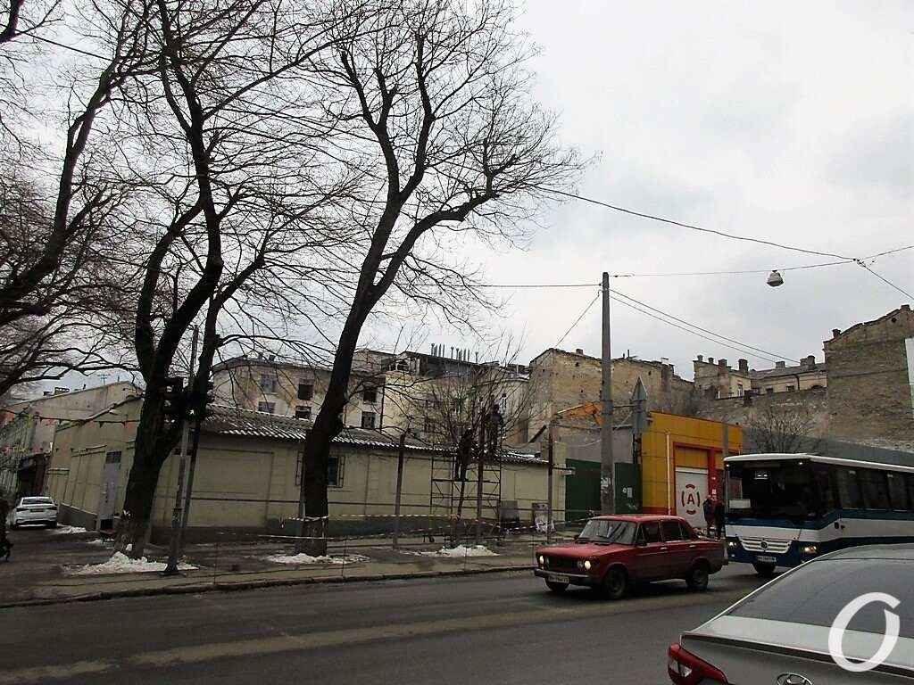 Обувной квартал: угол Осипова-Троицкой