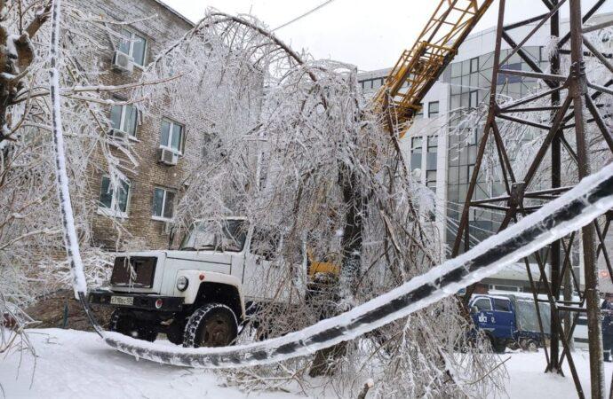 Чей провод: кто в Одессе отвечает за столбы и провода?