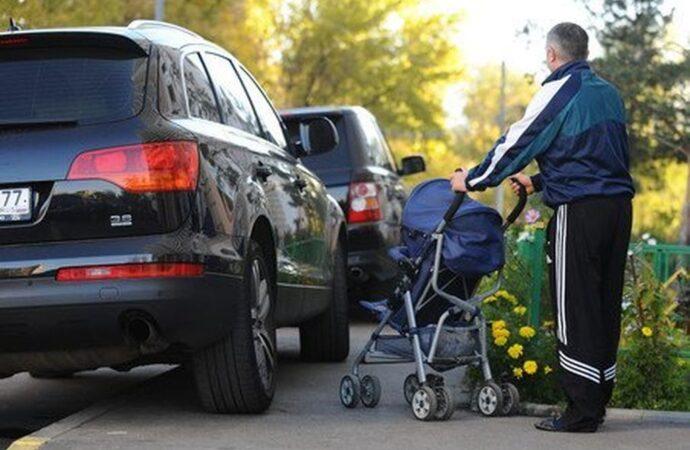 Стоянки и парковки на тротуарах – для тех, кому закон не писан?