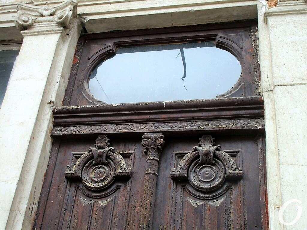 особняк Тауэр, старые двери