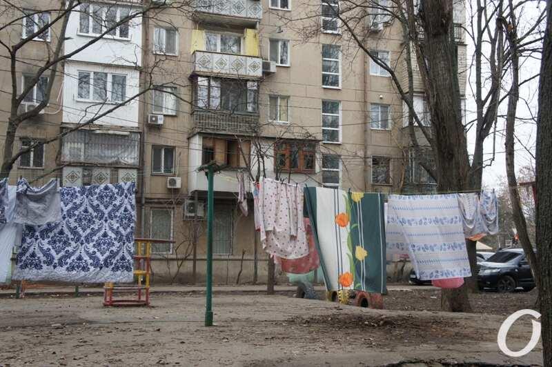 Варненская, во дворе