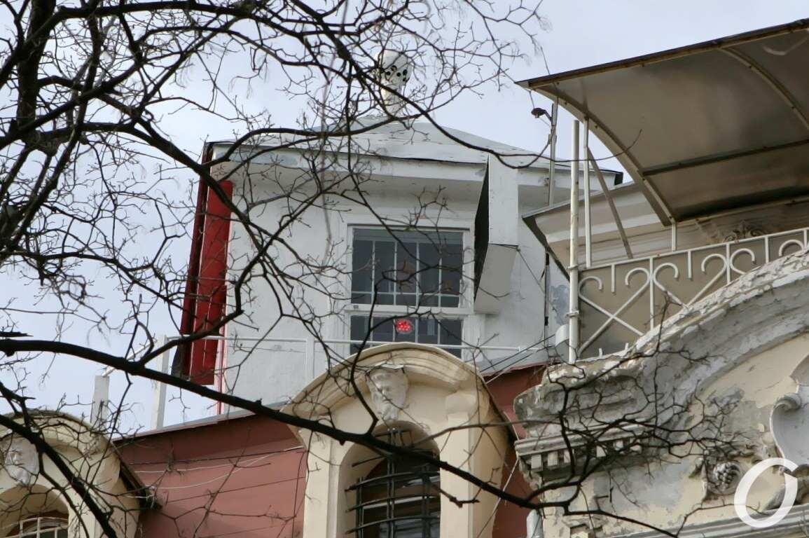 Одесский сквер, маяк