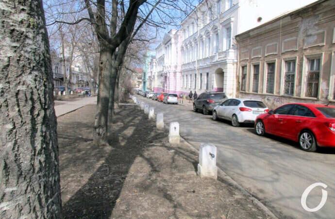 Одесский сквер без названия: архитектурное величие и таинственный маяк (фото)