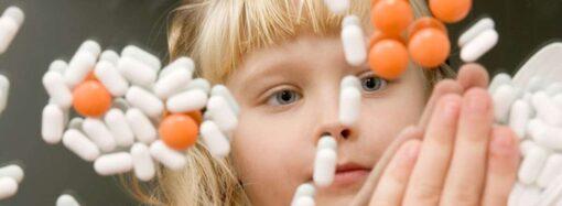 В Украине запретят продажу лекарств несовершеннолетним