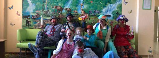 """Есть такая профессия – больничный клоун: как помогает """"клоун-доктор"""" онкобольным детям"""