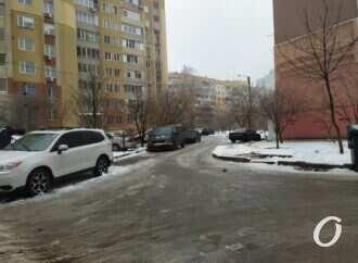 Гололед на дорогах Одессы спровоцировал множество ДТП