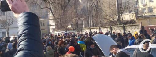 Долгожданная вакцина и «заваруха» у суда: главные события Одессы 23 февраля