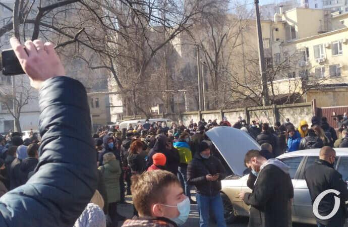 Долгожданная вакцина и «заваруха» у суда: главные события Одессы 22 февраля