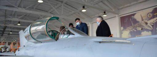 Одесский авиазавод собирается выпускать американские военные вертолеты