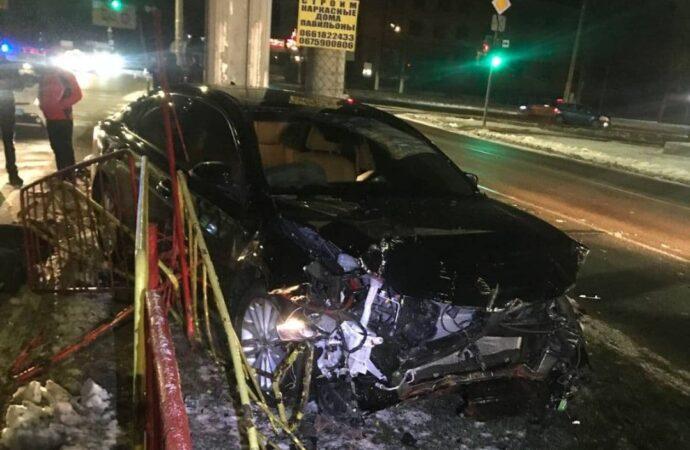 В Одессе пьяный водитель разбил сразу три машины (фото)