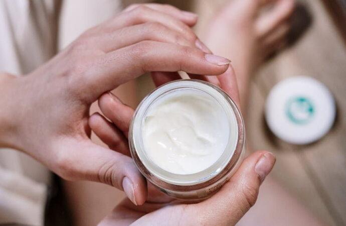 Догляд за шкірою та волоссям від La Roche-Posay