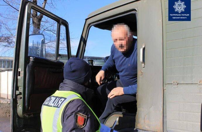 В Одессе начали штрафовать нерадивых водителей фур за проезд по Ивановскому мосту