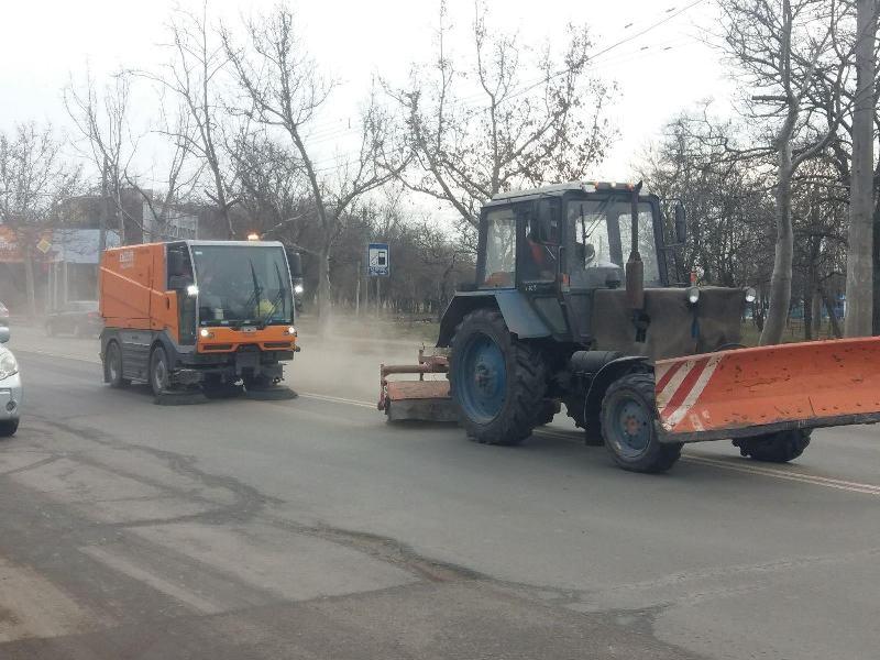 в Одессе чистят дороги1