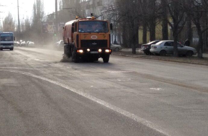 В Одессе помоют улицы: коммунальщики сообщили маршруты уборочной техники