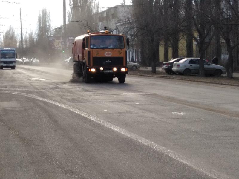 в Одессе чистят дороги2