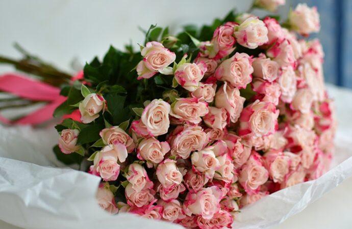 Курьерcкая доставка цветов в Одессе от Flowers.ua