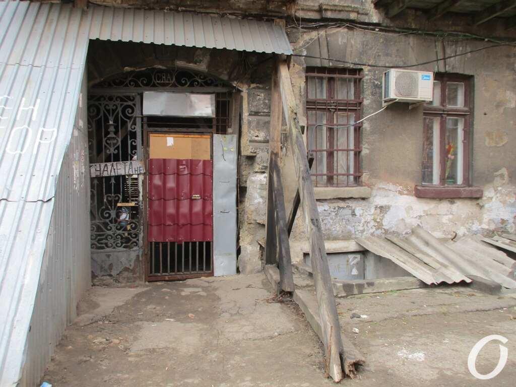 дом на подпорках в Одессе