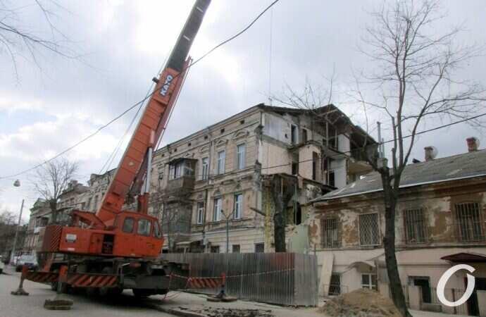 В Одессе собираются восстанавливать частично «грохнувший» дом на Нежинской