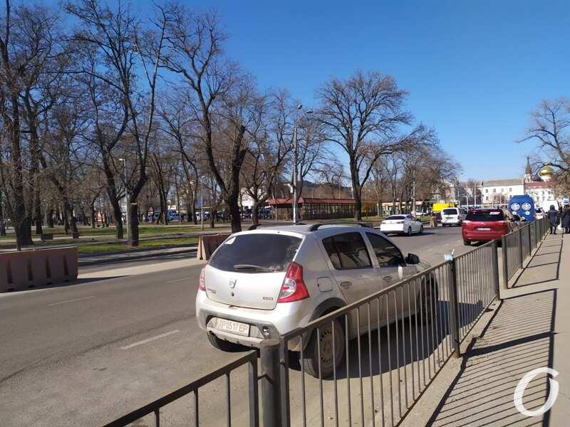 парковка, Старосенная3