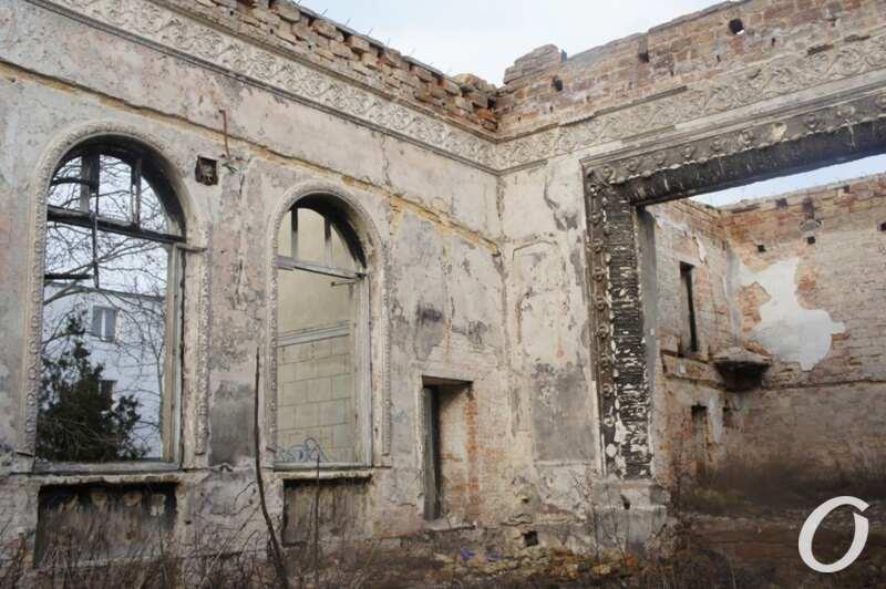 руины ДК в Черноморке, сгоревший зал