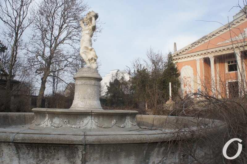 руины ДК в Черноморке, фонтан