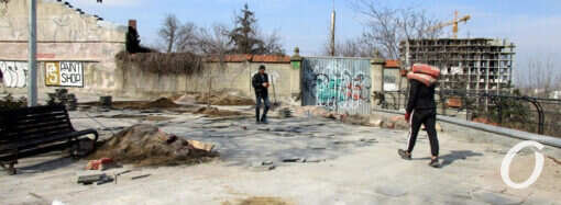 В Одессе снова ремонтируют обновленную часть бульвара Жванецкого: слабые места масштабного проекта (фото)