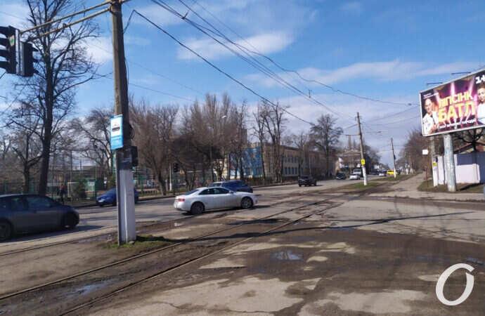 В Одессе хотят отремонтировать перекресток на Фонтане: в каком он состоянии сегодня? (фото)