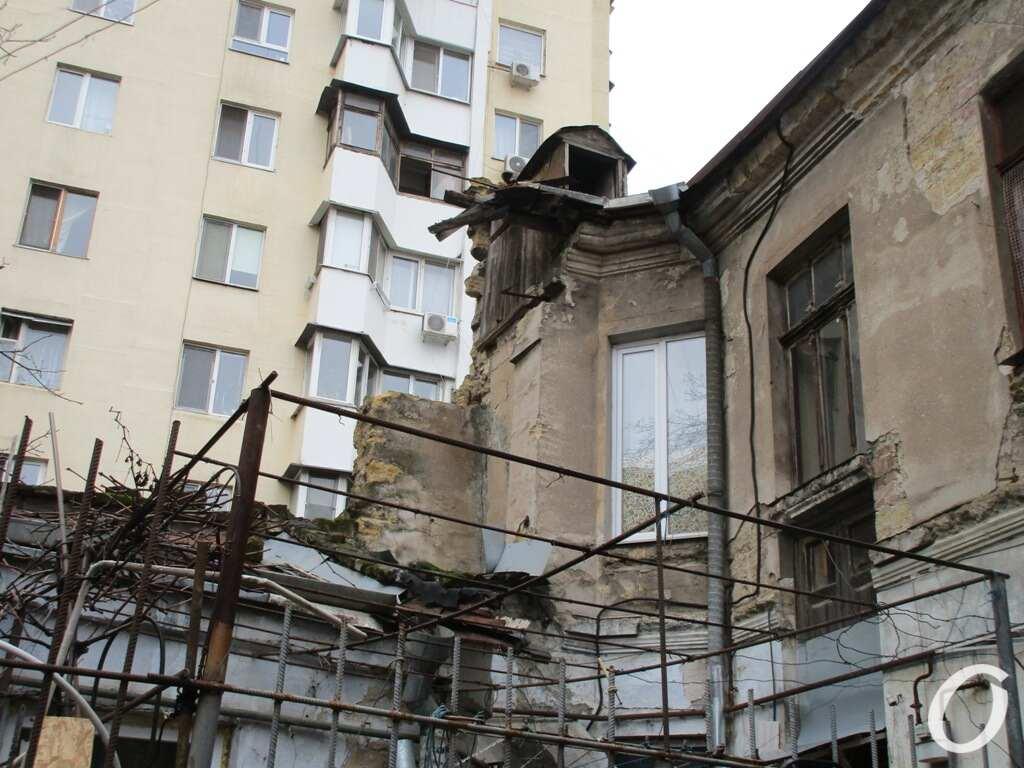 дом на Пищоновской, у новостроя