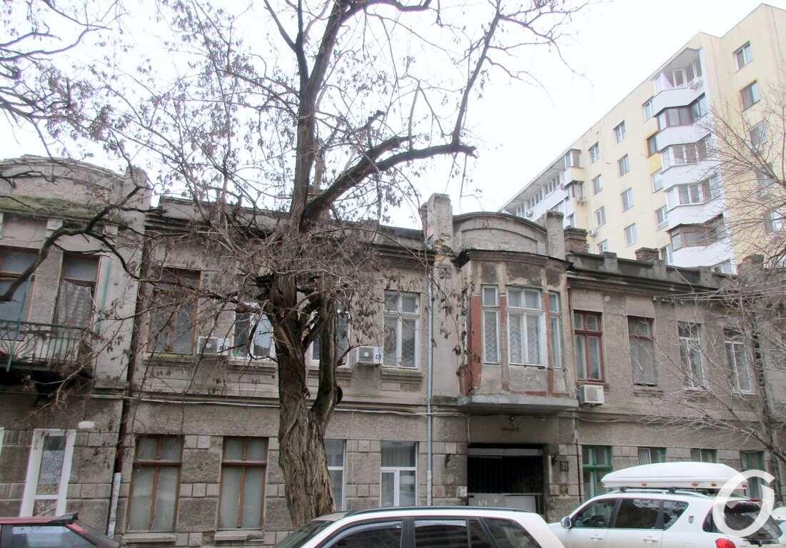дом на Пищоновской, издали