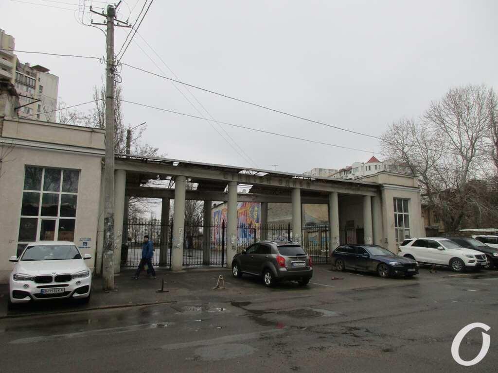Пишоновская, стадион