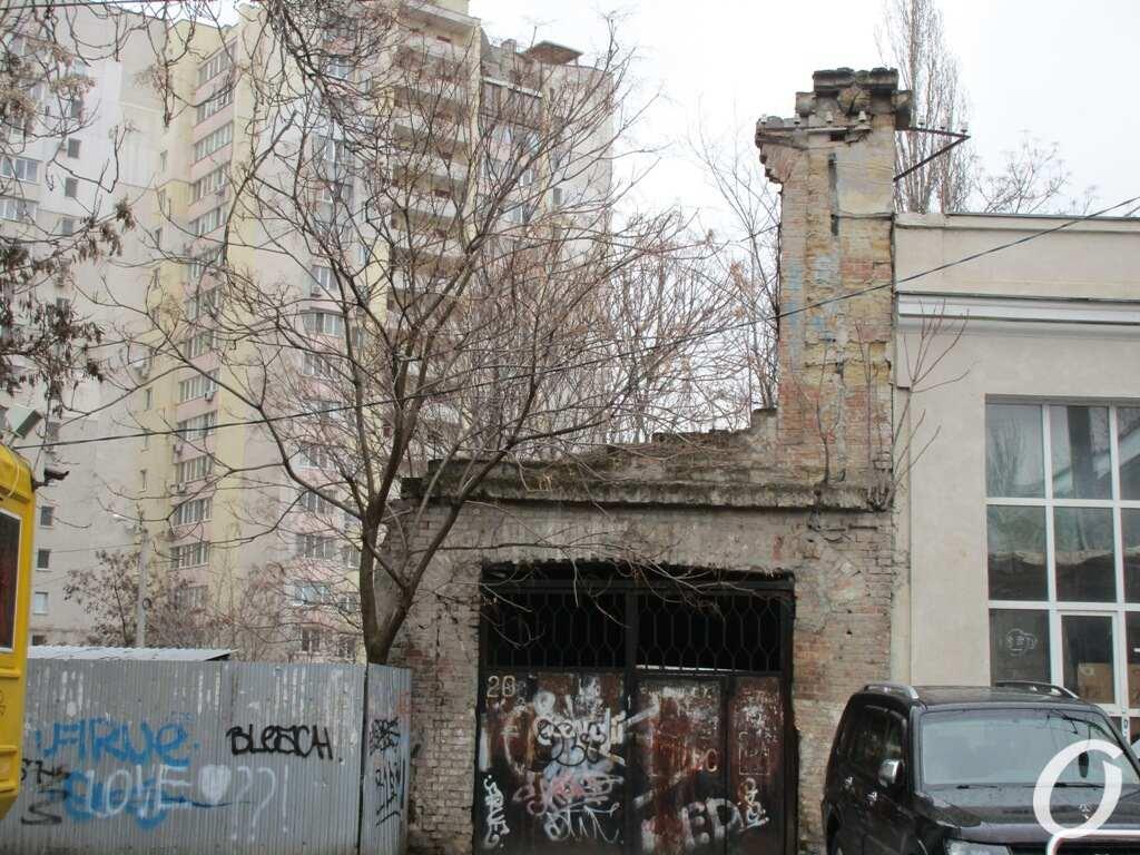 Пишоновская, граффити
