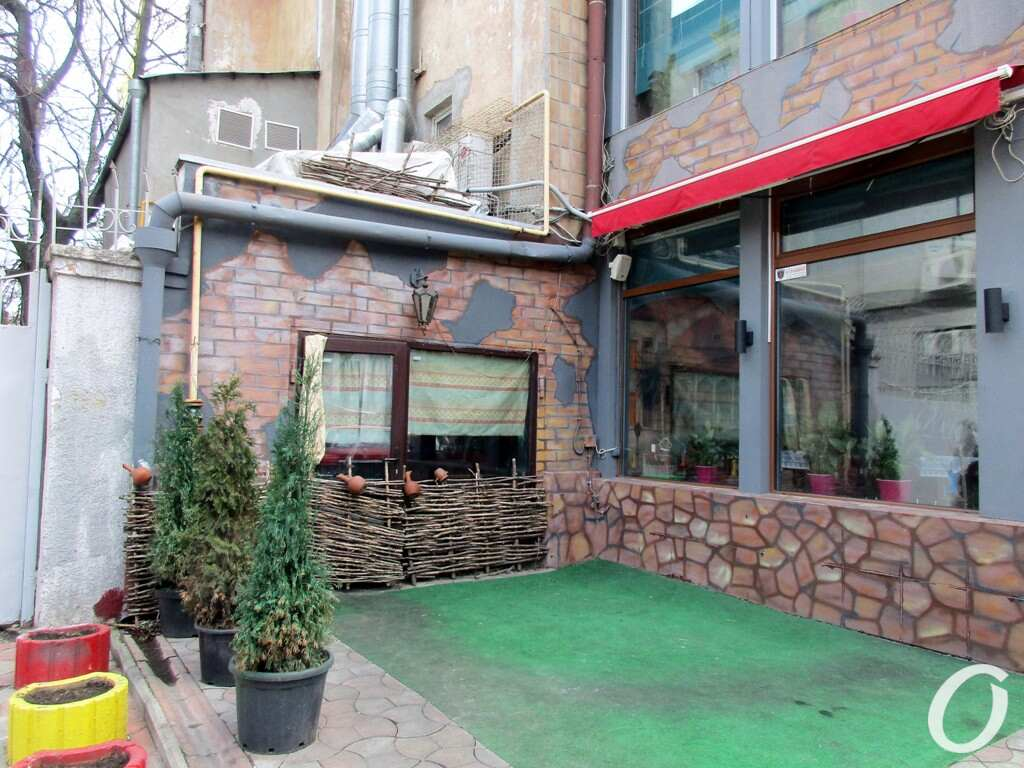 Улица Гаванная, кафе
