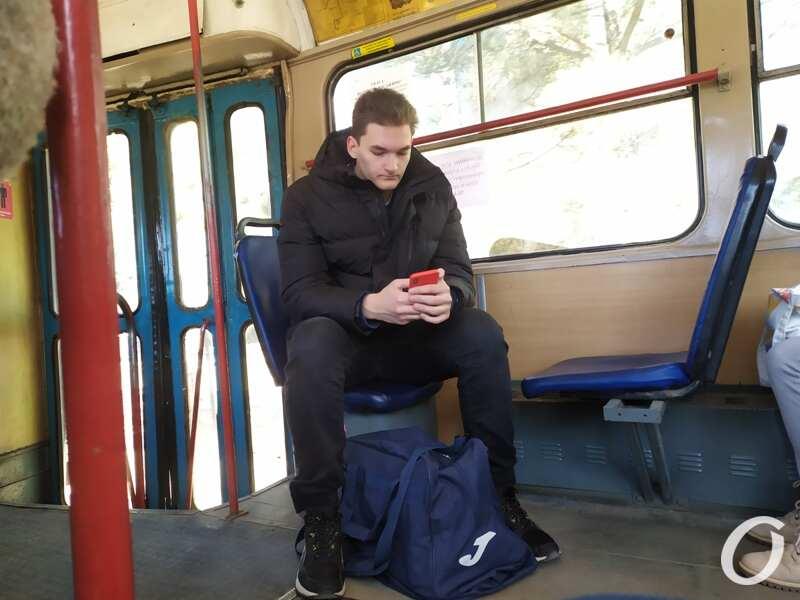 карантин в одесском транспорте, пассажир без маски