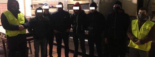 В Одессе обнаружили подпольную пекарню с нелегалами из Средней Азии