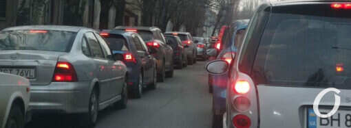 Пробки в Одессе 14 апреля сковали несколько важных дорог (карта)