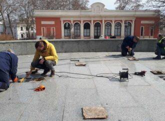 Одесские фонтаны начали готовить к запуску
