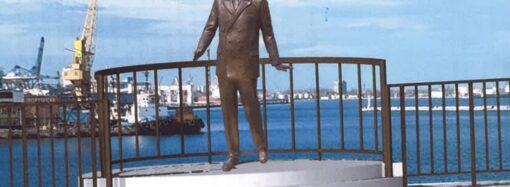У «Морячки» на одесском Морвокзале может появиться бронзовая «пара»