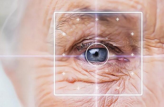 Отслоение сетчатки: как спасти зрение?
