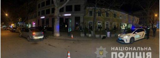 В Одессе стреляли около ночного клуба: несколько человек получили ранения (видео)